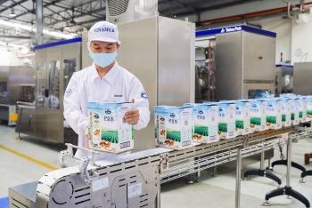 Tin vui về lô sữa xuất khẩu đầu năm từ Vinamilk hứa hẹn một năm lạc quan cho ngành sữa