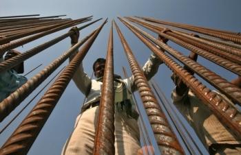 """Tỷ phú giàu nhất Ấn Độ giúp """"hỏa ngục Covid-19"""" hút FDI kỷ lục"""
