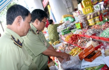 """TP Hồ Chí Minh """"siết"""" thị trường Tết nguyên đán"""