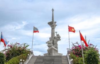 Có một Tượng đài tri ân những người lính Việt - Nga bên bờ biển Cam Ranh