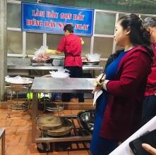 thuc pham cho truong hoc can co su giam sat thuong xuyen cua phu huynh