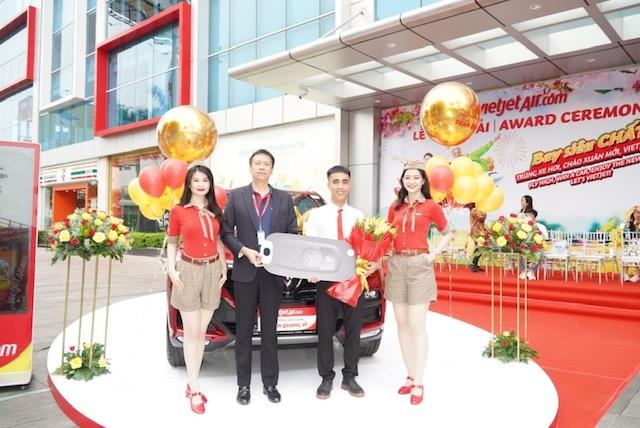 Bay chất cùng Vietjet, khách hàng nhận giải chung cuộc xe hơi 1,5 tỷ đồng