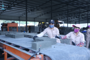 Chất thải nhà máy lọc dầu, nhiệt điện: Nguồn nguyên liệu dồi dào sản xuất gạch không nung