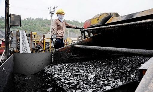 Tin tức kinh tế ngày 9/10: Trung Quốc giao dịch trở lại, giá quặng sắt bật tăng mạnh