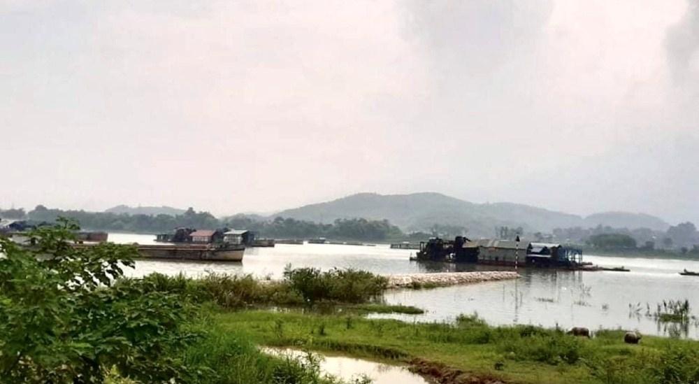 Phú Thọ: Tạm dừng hoạt động khai thác cát, sỏi trên tuyến sông Đà