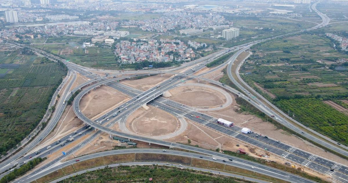 Thông xe nút giao 400 tỷ đồng nối cao tốc Hà Nội - Hải Phòng với Vành đai 3