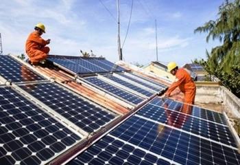 Cắt giảm điện năng lượng tái tạo, nhà đầu tư muốn được công bằng