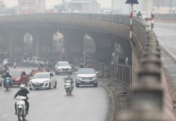 Kiểm soát ô nhiễm môi trường không khí: Cần dán nhãn sinh thái với phương tiện giao thông