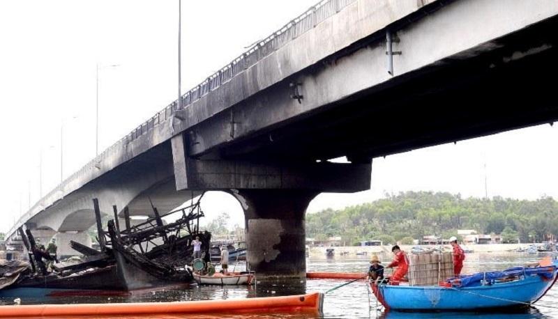 Cầu cháy tạo điểm đen giao thông ở Quảng Ngãi sẽ được sửa chữa như thế nào?