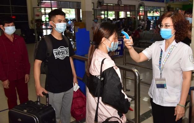 Hà Nội: Từ 0h ngày 5/5 tạm dừng các dịch vụ không thiết yếu, hạn chế tối đa tập trung đông người