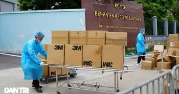 Khẩn cấp tiếp tế khẩu trang, lương thực vào Bệnh viện K Tân Triều