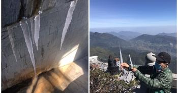 Băng giá bất ngờ xuất hiện trên đỉnh Fansipan giữa tháng 10