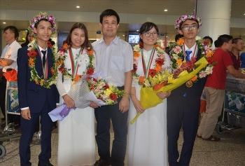 100 thi sinh viet nam tham du olympic co giai thuong