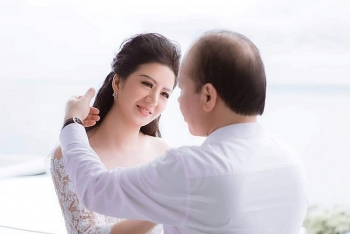 sao viet 1811 ca si dinh hien anh lam le cuoi voi thu truong bo tai chinh