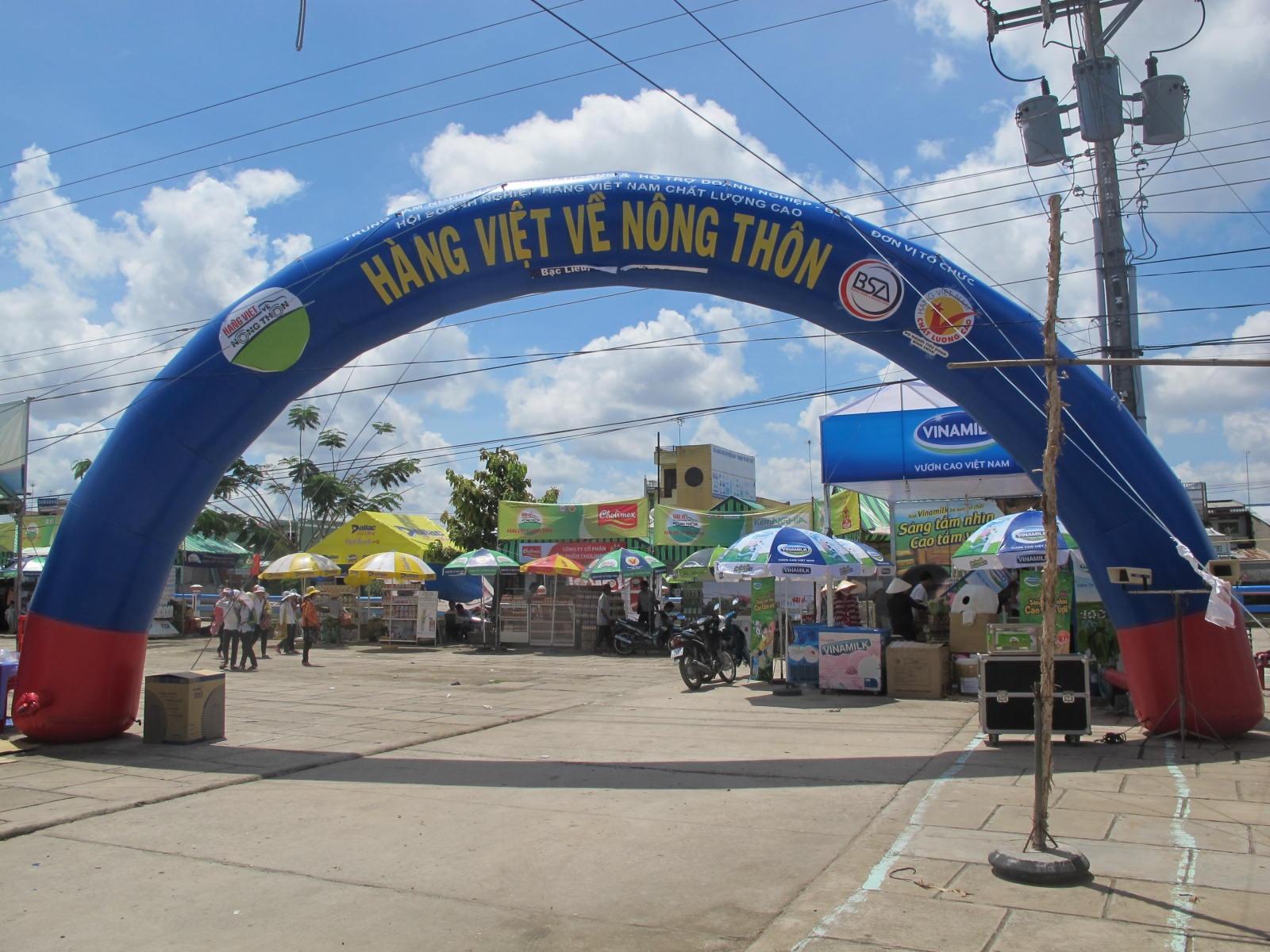 """Hàng Việt """"gặp khó"""" trên thị trường nội địa"""