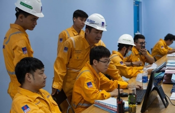 pv gas sap chi 4400 ty dong de tra co tuc