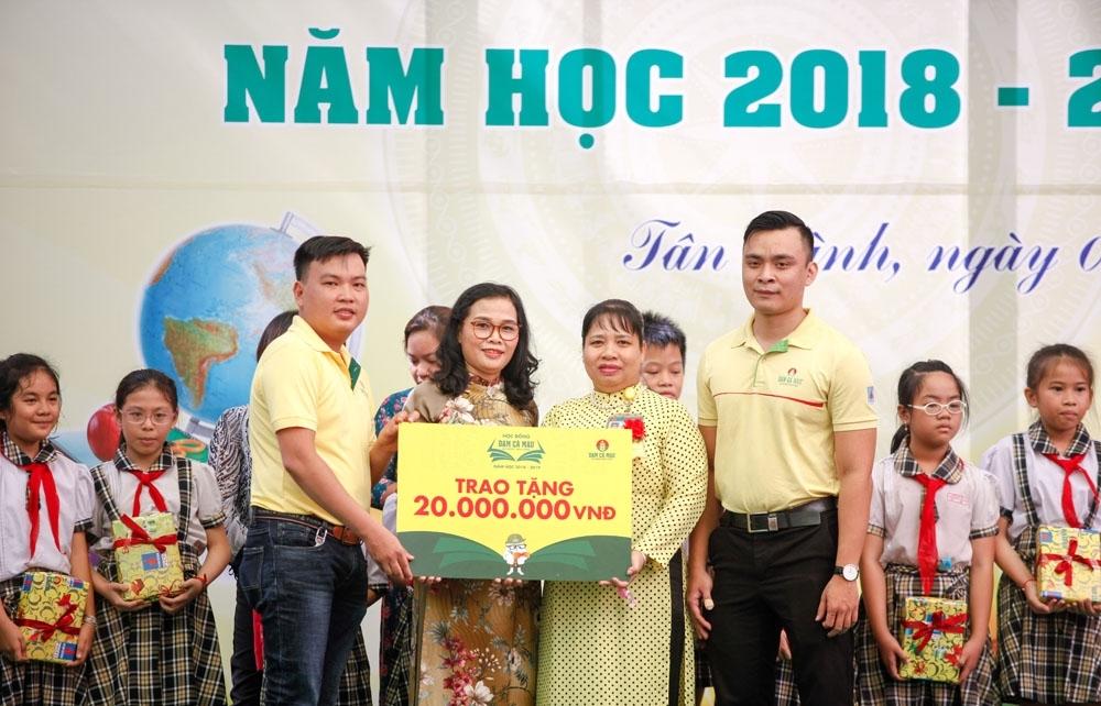 dam ca mau khoi dong hoc bong 2 ty dong nam hoc 2018 2019
