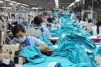 Dệt may Việt Nam xuất khẩu vượt hạn mức, đối mặt nguy cơ bị áp thuế MFN