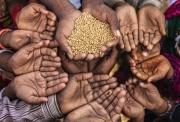 Hàng tỷ người sẽ nghèo đói trong ít nhất một thập kỷ