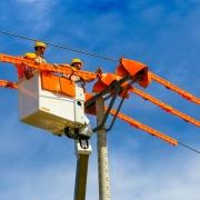 """Thực hiện tốt """"nhiệm vụ kép"""", EVN đảm bảo cung ứng điện cho phát triển kinh tế- xã hội"""