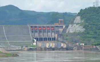 """Nhiều hồ thủy điện Tây Bắc Bộ vẫn """"khát nước"""" dù mưa lớn"""