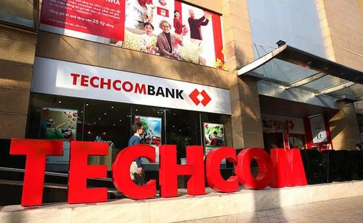 Techcombank: Lãi dự thu và nợ xấu tăng mạnh