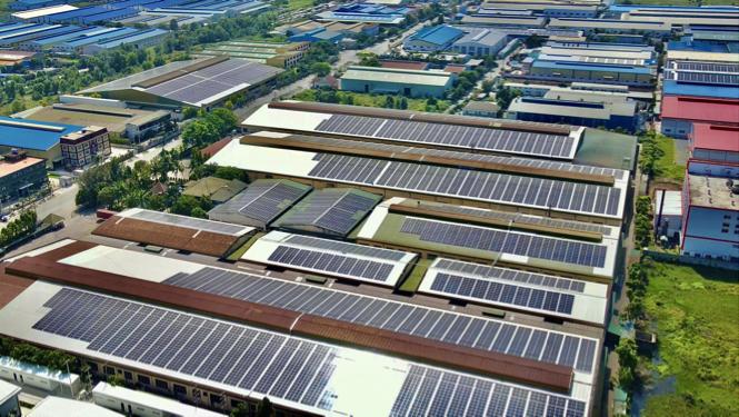 Điện mặt trời mái nhà phát triển bùng nổ, tính bất ổn trong vận hành gia tăng