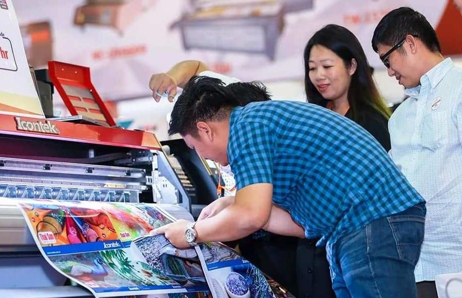 Trưng bày thiết bị, công nghệ quảng cáo Việt Nam và máy móc ngành in