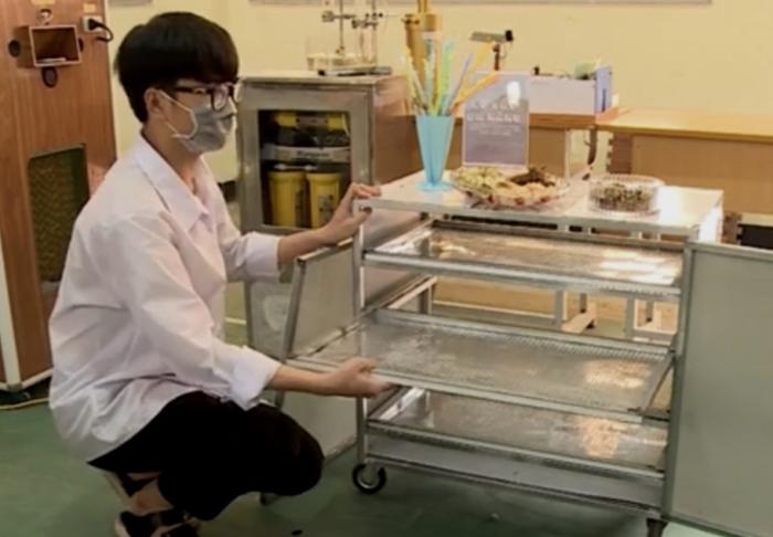 Học sinh lớp 11 chế tạo lò sấy đa năng từ hộp nóng điều hòa