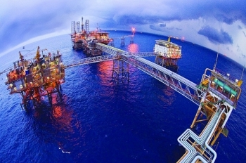 Phát hiện dầu trong móng mỏ Bạch Hổ
