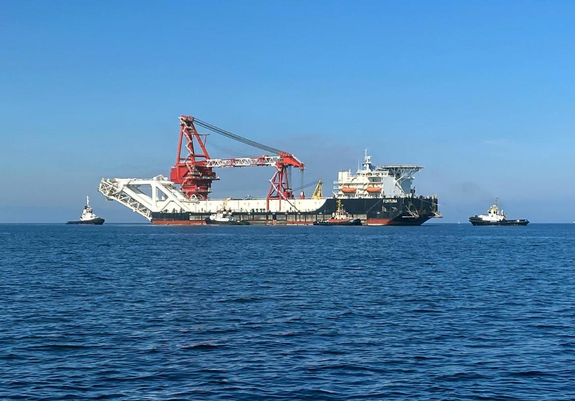 Bất chấp lệnh trừng phạt mới, tàu đặt ống Fortuna của Nga đã bắt đầu hoạt động ở vùng biển Đan Mạch