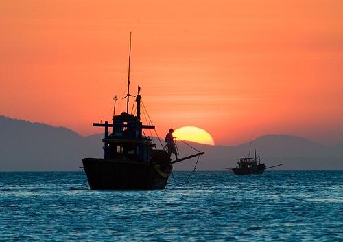Báo cáo kinh ngạc về trữ lượng dầu khí ở Biển Đông