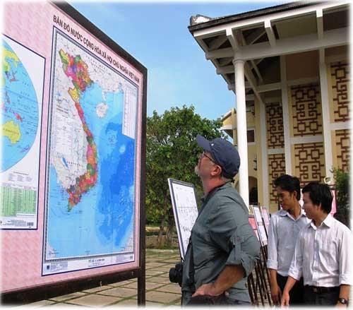Triển lãm ảnh Hoàng Sa, Trường Sa và biển đảo VN