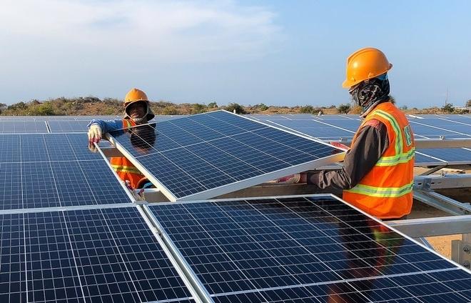 EVN kiến nghị cho phép giảm huy động các nguồn năng lượng tái tạo