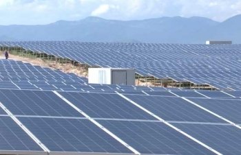 """Điện than, điện khí """"nhường đất"""" cho năng lượng tái tạo, vận hành hệ thống điện gặp khó"""