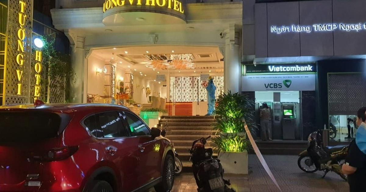 Nữ tiếp viên mắc Covid-19, khách sạn cùng quán karaoke bị phong tỏa