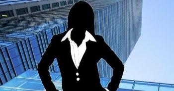 Khốc liệt cuộc cạnh tranh giành ngôi nữ tỷ phú giàu nhất Trung Quốc
