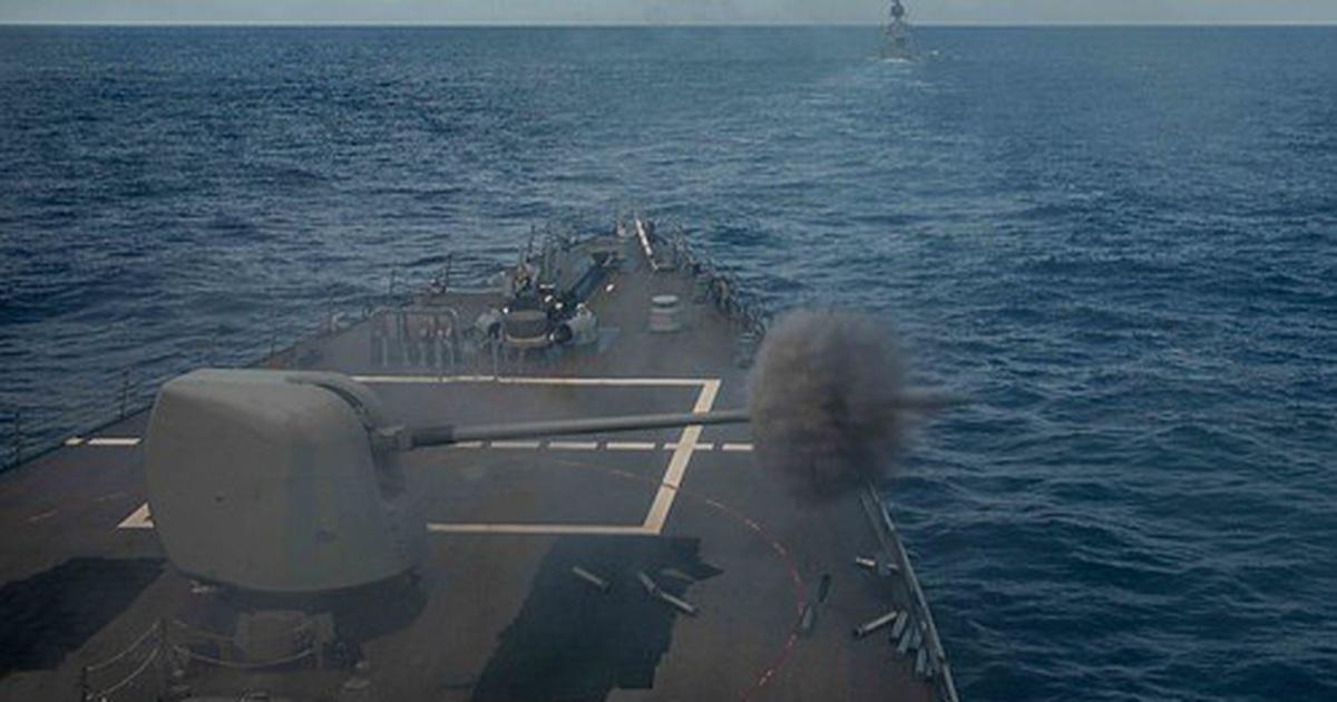 Tàu chiến Mỹ - Australia tập trận bắn đạn thật trên Biển Đông