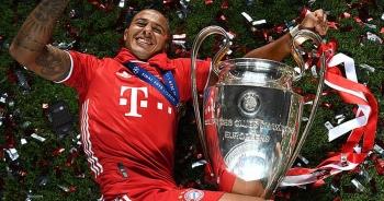 """Bayern Munich tố cáo bị Man Utd, Liverpool """"chơi xấu"""" ở thương vụ Thiago"""