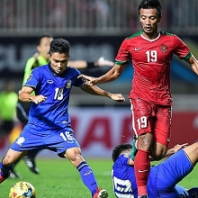 thai lan 4 2 indonesia aff cup 2018 nguoi thai the hien dang cap