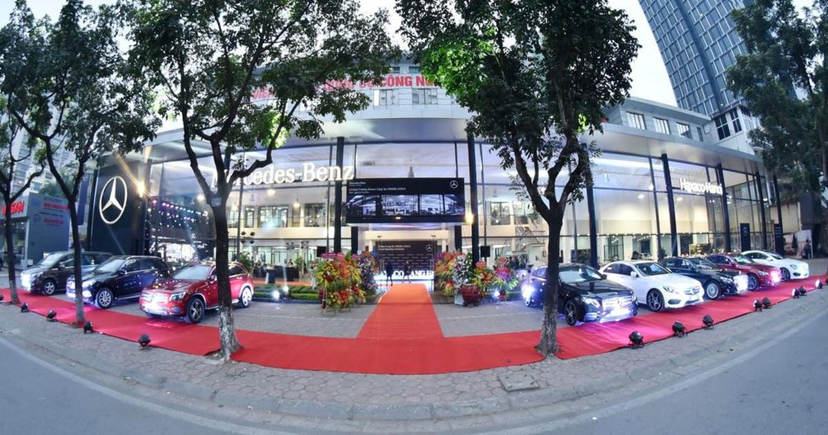 Đại gia buôn Mercedes số 1 Việt Nam chớp thời cơ bán toàn bộ cổ phiếu