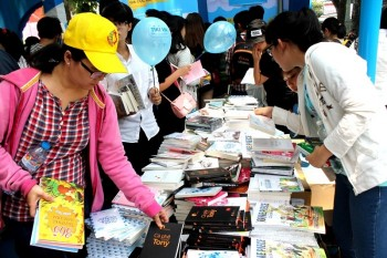 hoi sach tphcm 2016 thu ve 50 ti dong