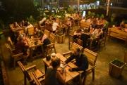 bamboo cafe voi chien dich plastic free thu hut khach quoc te khi den phong nha