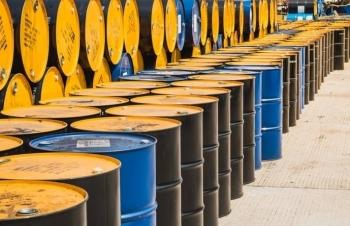 Giá dầu hôm nay 25/10 tăng, xu hướng lập đỉnh mới