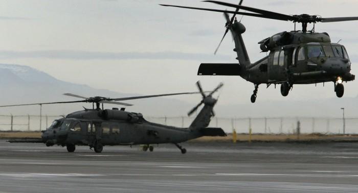 Cắt giảm ngân sách, Mỹ buộc phải mượn trực thăng Anh