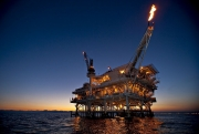 Bản tin Dầu khí 26/10:  Iran cần 11 tỷ USD để phát triển các mỏ dầu
