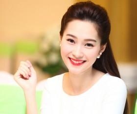 Hoa hậu Đặng Thu Thảo trực tiếp tìm người kế ngôi